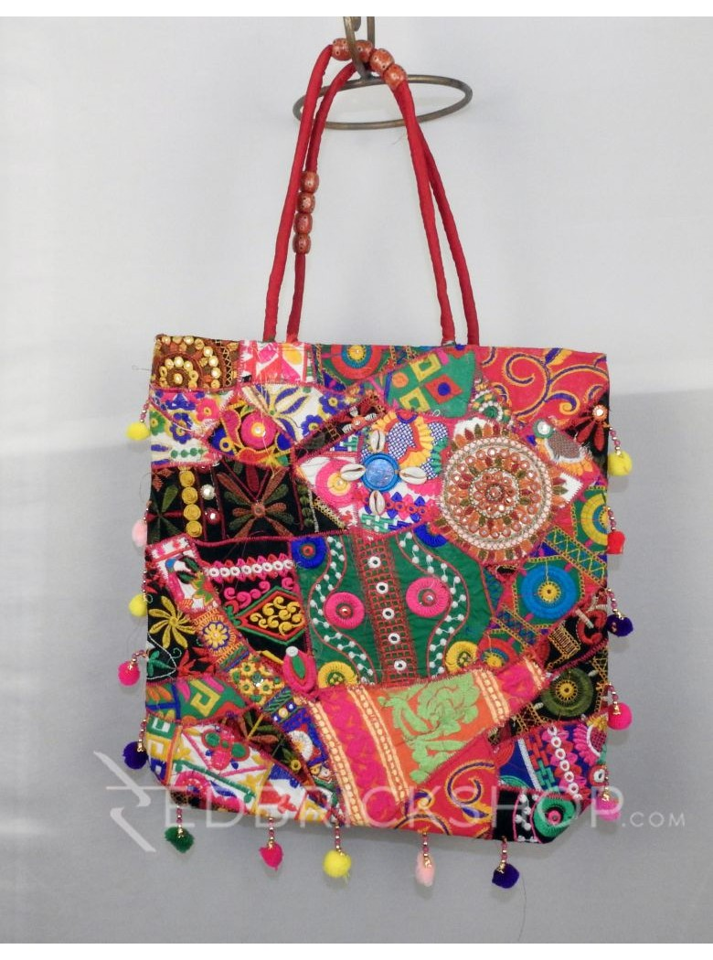 CIRCLE FLORAL POMPOM RED KUTCHI JHOLA BAG
