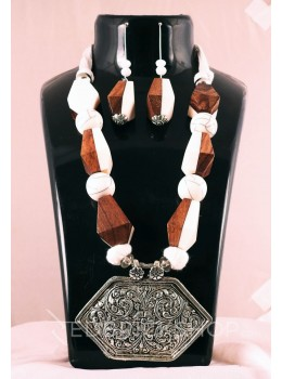 GERMAN SILVER HEXAGON WOOD THREAD BEAD BROWN, CREAM JEWELLERY SET