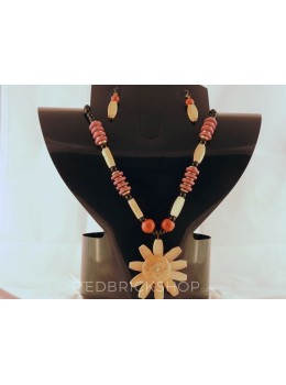 WOODEN ROSE RED BLACK CREAM BEAD SET
