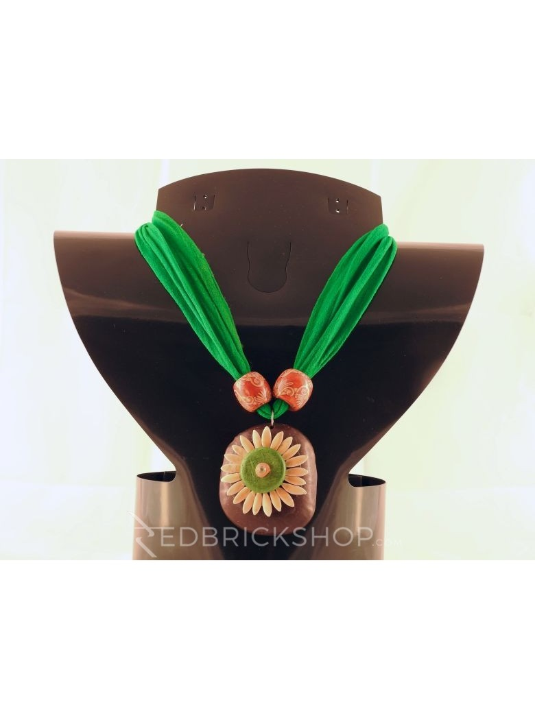 VEGETABLE SEED FLOWER GREEN NECKLACE