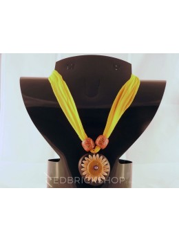 VEGETABLE SEED FLOWER YELLOW NECKLACE