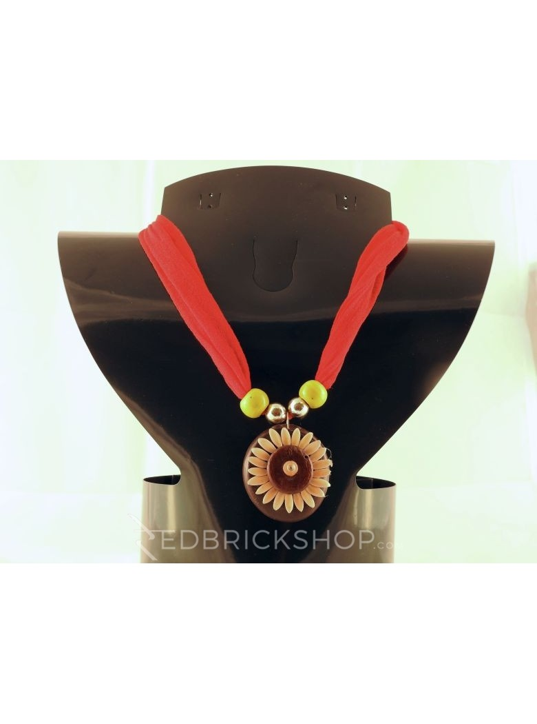 VEGETABLE SEED FLOWER RED NECKLACE