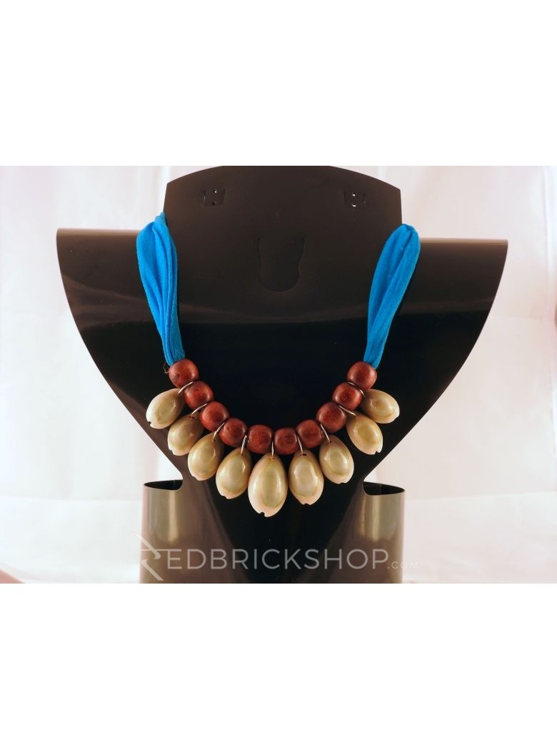 COWRIE SHELL TURQUOISE MAROON BEAD NECKLACE