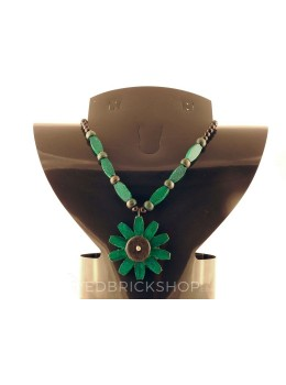 WOODEN GREEN BLACK  BEAD NECKLACE