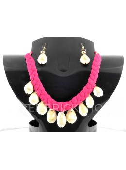 BRAIDED COWRIE SHELL MAGENTA SET