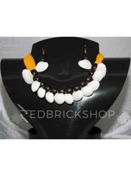 SEA SHELL WOODEN BEAD YELLOW, BLACK CHOKER SET