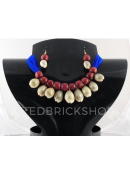 COWRIE SHELL WOODEN BEAD BLUE, MAROON CHOKER SET
