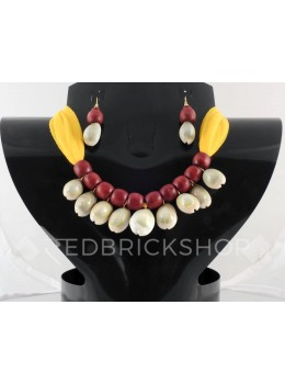 COWRIE SHELL WOODEN BEAD YELLOW, MAROON CHOKER SET